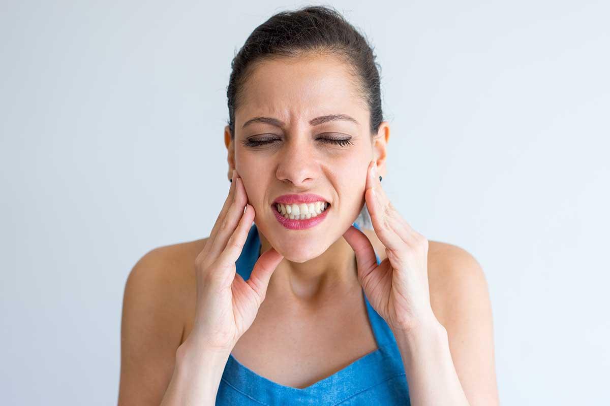 Problemas para masticar o abrir la boca